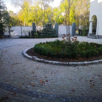 Ułożona kostka granitowa w Warszawie