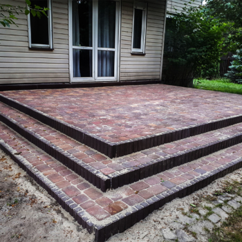 Budowa tarasu i schodów wejściowych