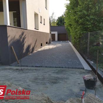 Realizacja Brukarska   Akropol Grafit Grado Agat i Antracyt